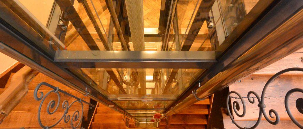 Glasaufzug nach Maß: Aluminium-Glas-Schacht München