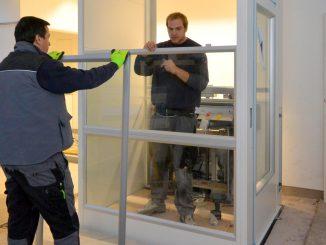 Montagezeit Serie 910: Einsatz von Glaspaneelen